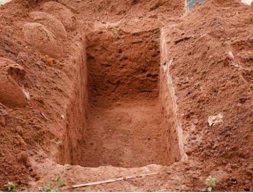 La credono morta: donna torna a casa 40 anni dopo il suo funerale…